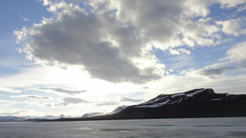 Lake Kilpisjärvi at 9 pm (photo credit K.Graves, 2013).
